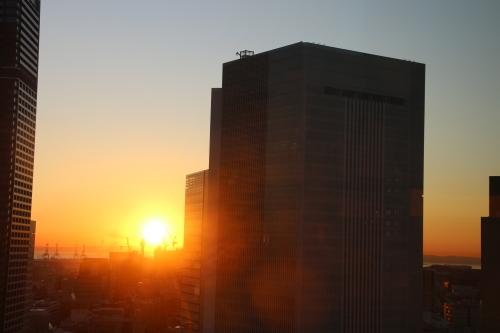 ニューオータニイン横浜プレミアム1809号室から日の出を拝む・2:Canon EOS 70D_c0075701_11144116.jpg