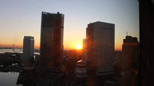 横浜みなとみらい21の日の出_c0075701_11145351.jpg
