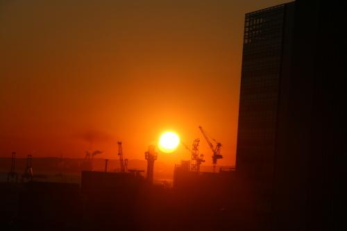 ニューオータニイン横浜プレミアム1809号室から日の出を拝む・2:Canon EOS 70D_c0075701_11150028.jpg
