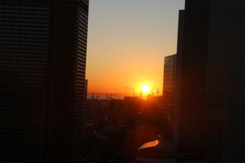 横浜みなとみらい21の日の出_c0075701_11150557.jpg