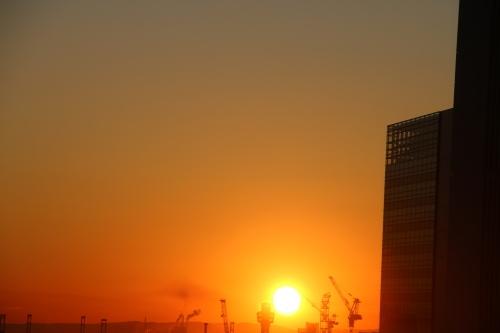 横浜みなとみらい21の日の出_c0075701_11152962.jpg