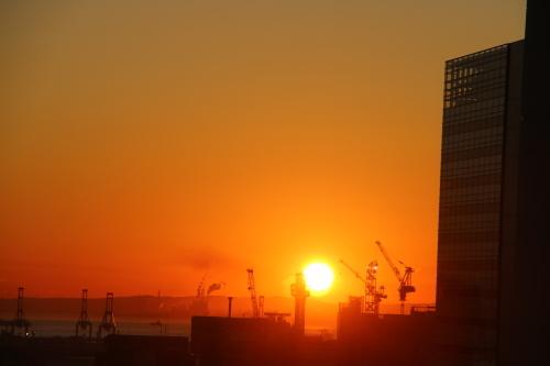 ニューオータニイン横浜プレミアム1809号室から日の出を拝む・2:Canon EOS 70D_c0075701_11153650.jpg