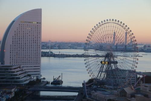 ニューオータニイン横浜プレミアム1809号室から日の出を拝む・2:Canon EOS 70D_c0075701_11155902.jpg