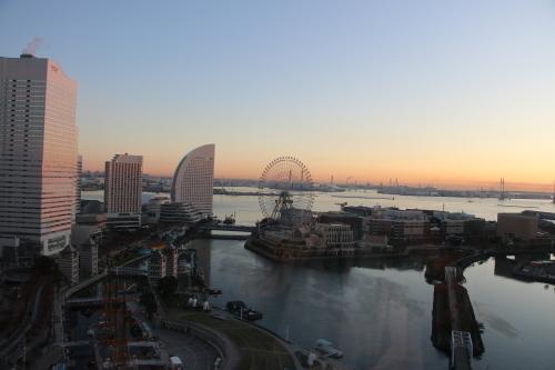 ニューオータニイン横浜プレミアム1809号室から日の出を拝む・2:Canon EOS 70D_c0075701_11161179.jpg