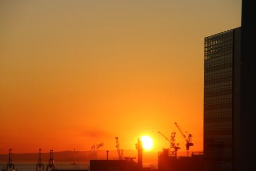 横浜みなとみらい21の日の出_c0075701_11161687.jpg