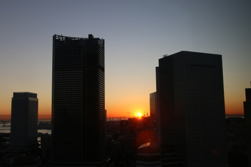 横浜みなとみらい21の日の出_c0075701_11162258.jpg