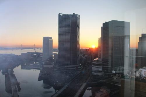 ニューオータニイン横浜プレミアム1809号室から日の出を拝む・2:Canon EOS 70D_c0075701_11163581.jpg