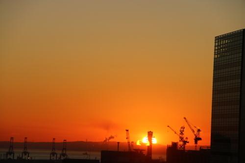 横浜みなとみらい21の日の出_c0075701_11164467.jpg