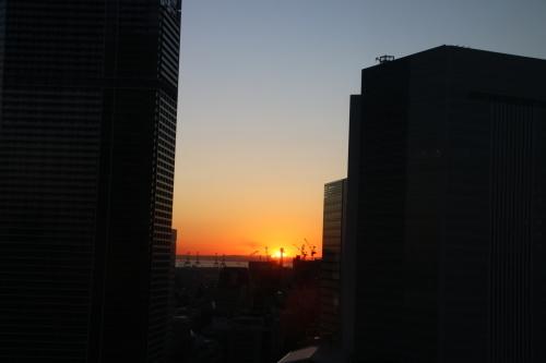 横浜みなとみらい21の日の出_c0075701_11170633.jpg