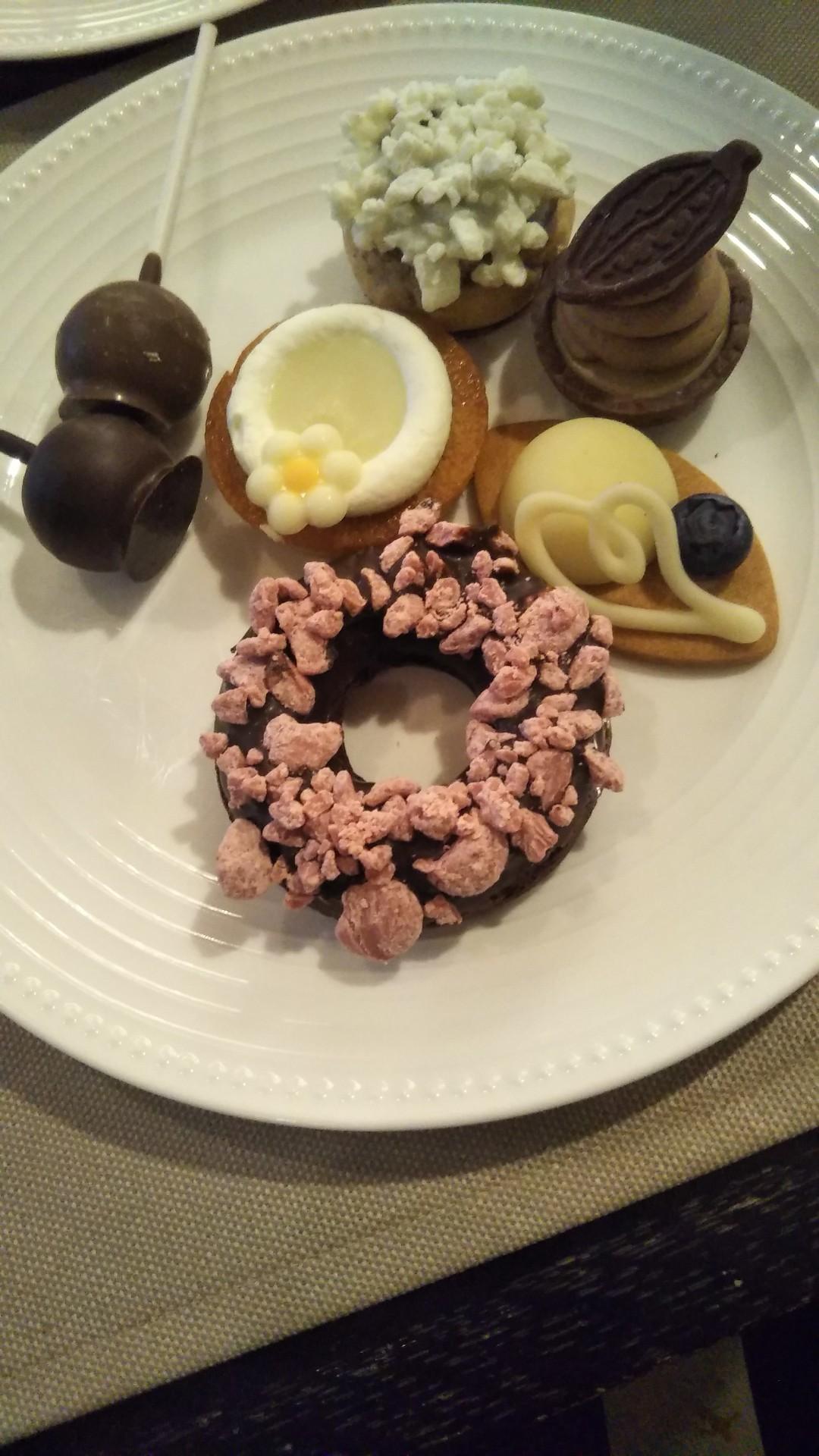 ANAインターコンチネンタルホテル東京 シャンパン・バー チョコレート・スイーツブッフェ_f0076001_22024827.jpg