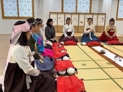 2019年 歳納め大邱 ⑦韓国伝統文化体験館で茶道体験_a0140305_02245069.jpg