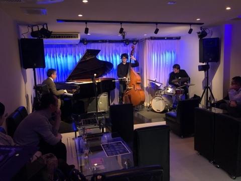 Jazzlive Cominジャズライブカミン  広島 明日30日は年内ラスト営業です。_b0115606_15560291.jpeg