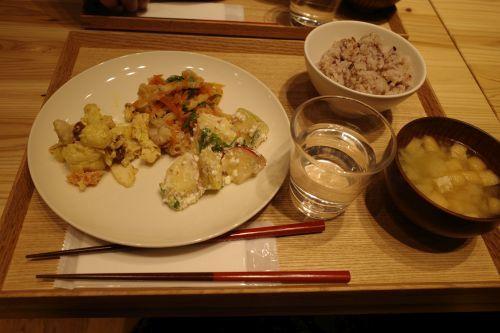 カフェ&ミール ムジ 新宿 (Cafe&Meal MUJI)_e0080345_17004897.jpg