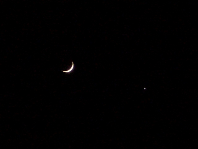 三日月と金星 & ベテルギウスが暗い?_f0079085_21463116.jpg