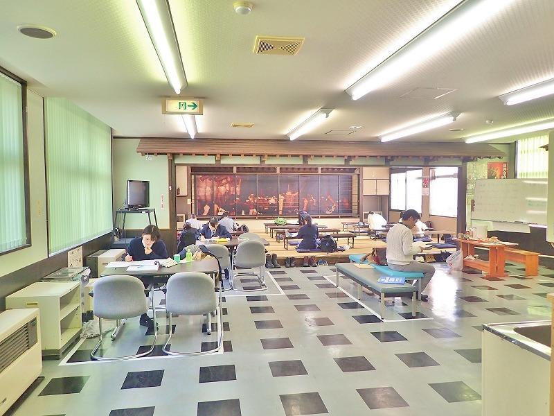 会館では高校生による「自習会」が続いています_c0336902_15261979.jpg