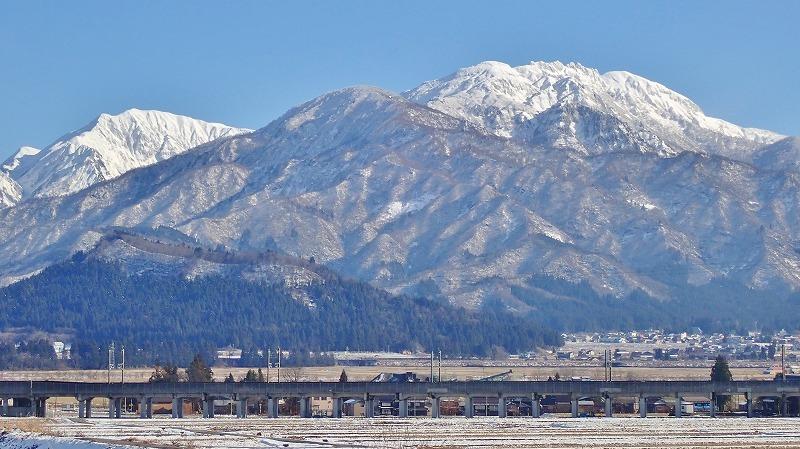 雪のない年の瀬となっています_c0336902_15461606.jpg