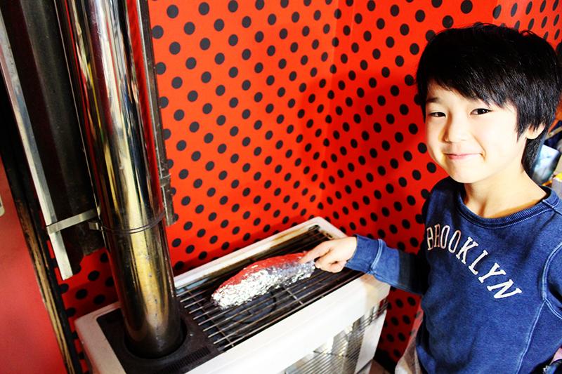 息子とアウトドア風ストーブ料理  札幌自転車屋。_a0139912_17553485.jpg