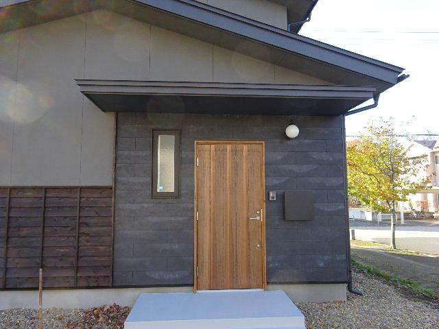 花巻の家 完成写真 その①_f0105112_05060953.jpg