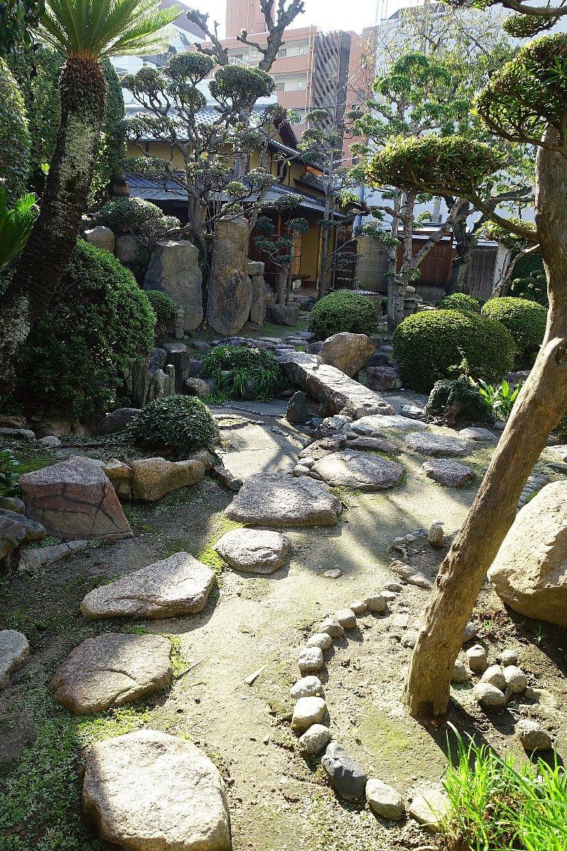 日下山 願泉寺庭園_c0112559_13082185.jpg