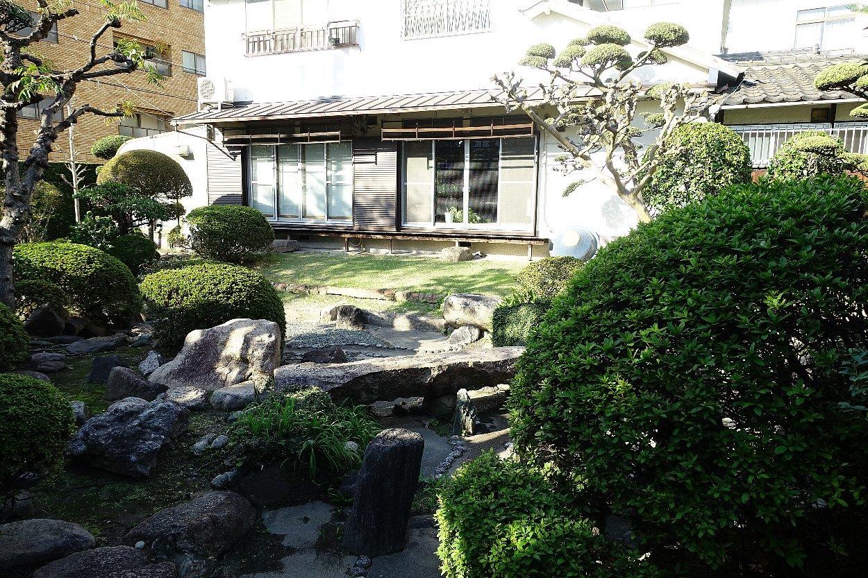 日下山 願泉寺庭園_c0112559_13105247.jpg