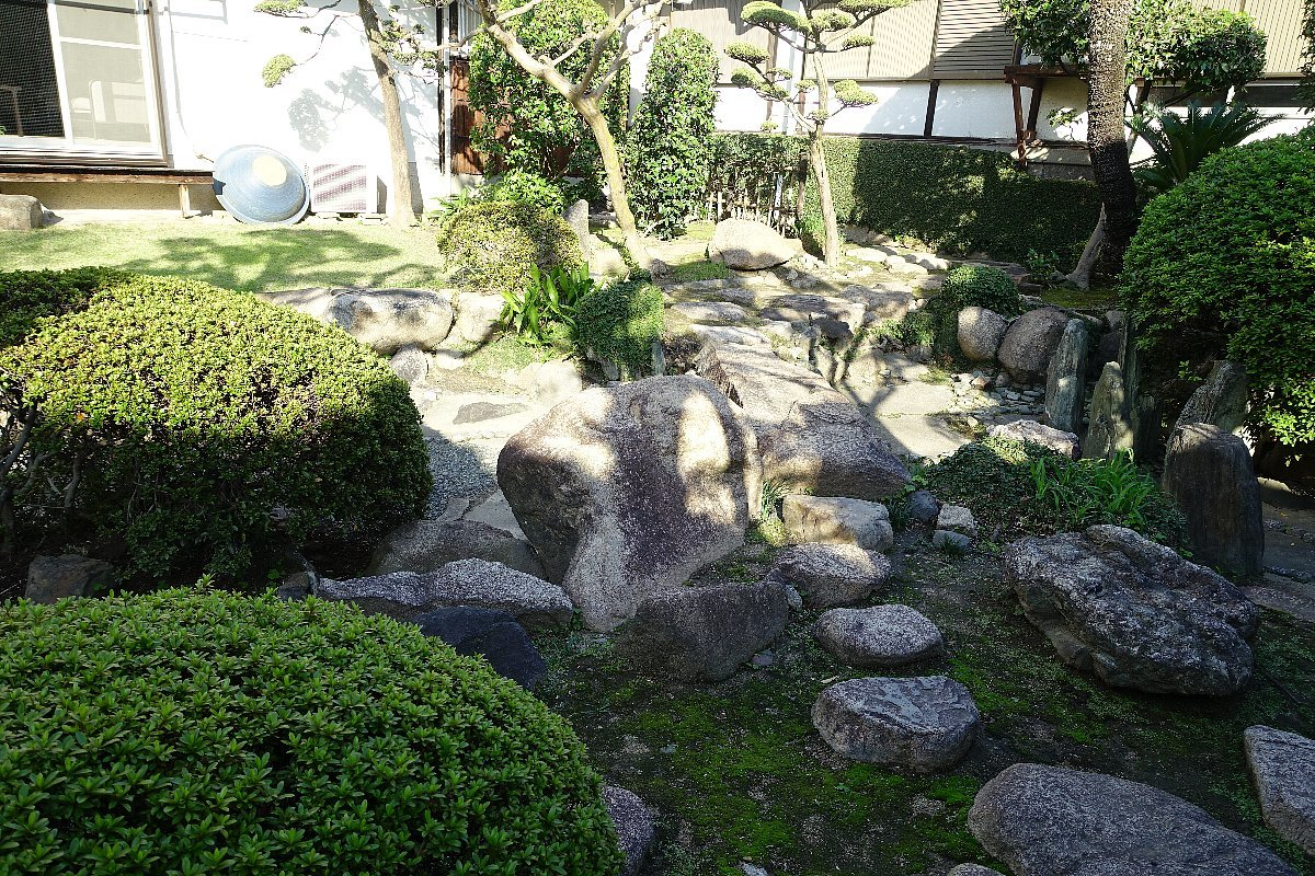 日下山 願泉寺庭園_c0112559_13113295.jpg