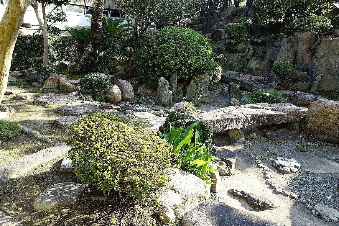 日下山 願泉寺庭園_c0112559_13163046.jpg