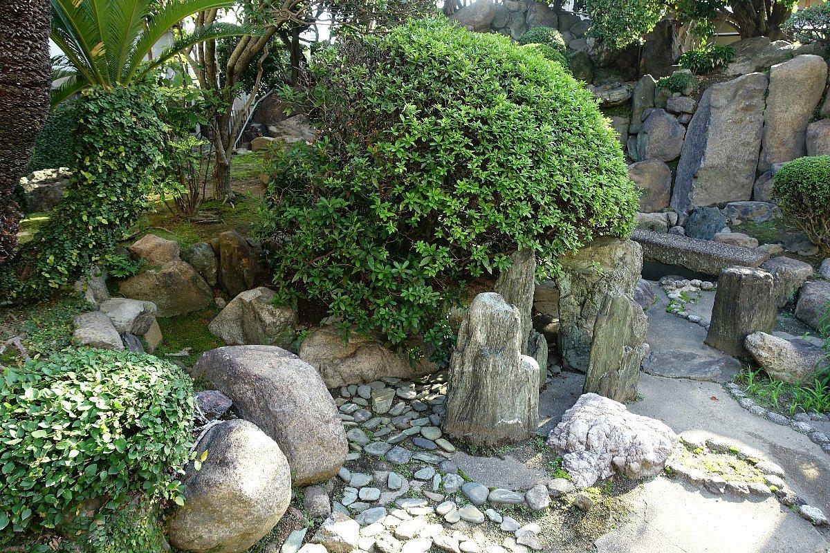 日下山 願泉寺庭園_c0112559_13173305.jpg