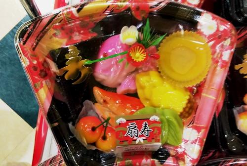 注連縄飾りとおせち料理の口取り_c0182775_1643725.jpg