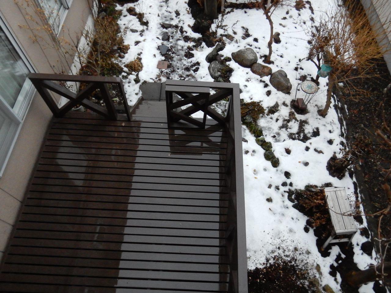 なんとか積雪ゼロのまま年を越さずにすみそうです_c0025115_23145525.jpg