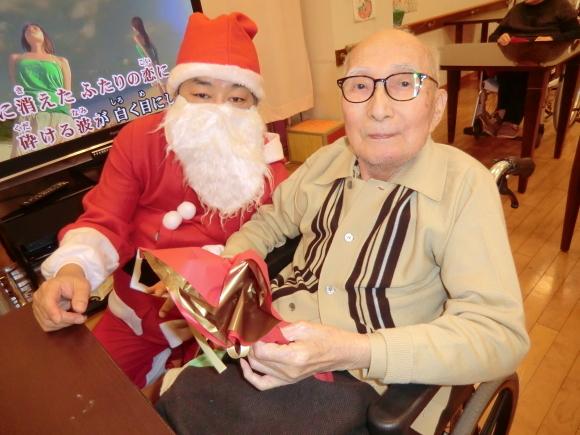 クリスマス会開催_e0163042_13011070.jpg