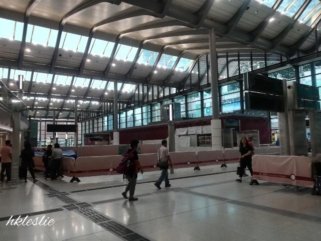 紅磡站へ_b0248150_16270150.jpg