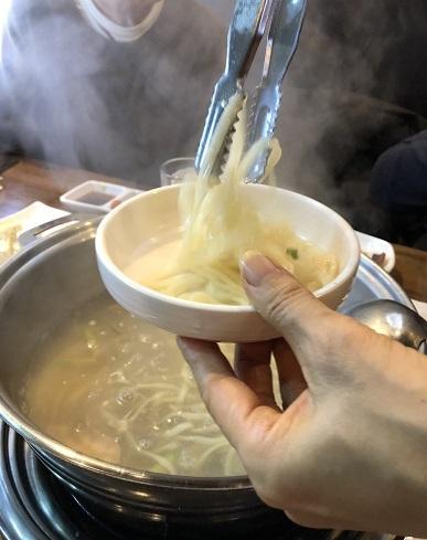ソウルのタコ鍋は生きてるタコ!_b0060363_00004964.jpeg