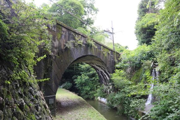 楚原ねじり橋への道_c0001670_11062703.jpg
