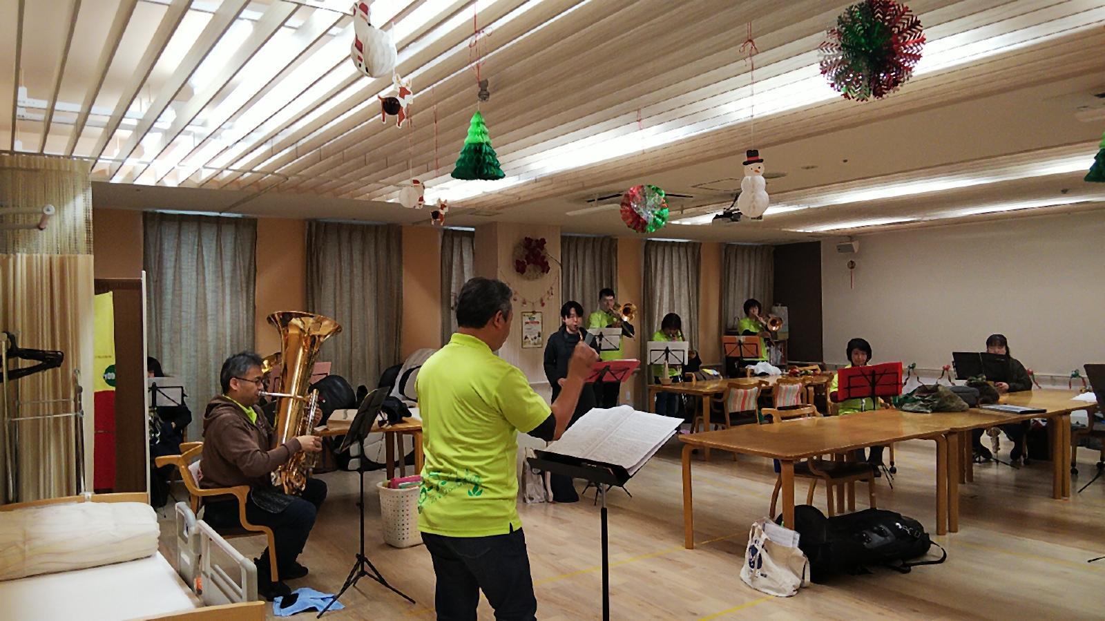 12月22日(日)葵の園佐倉南 クリスマス訪問演奏_f0200416_00104867.jpg