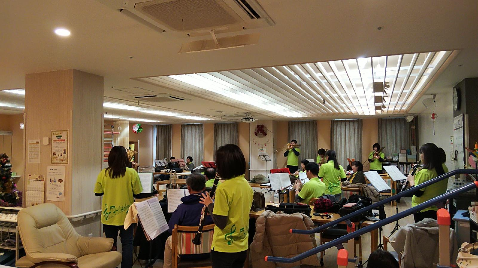 12月22日(日)葵の園佐倉南 クリスマス訪問演奏_f0200416_00111065.jpg