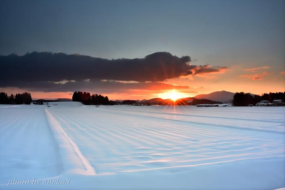 みちのく冬朝陽景_d0067934_11324143.jpg