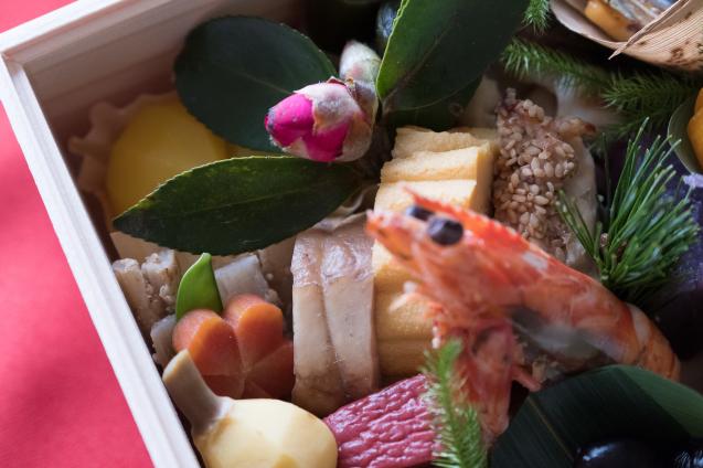 円卓さんのおせちとチャーリーんちのお雑煮でお正月_e0369736_18062913.jpg