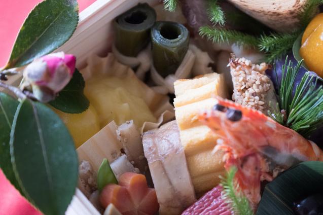 円卓さんのおせちとチャーリーんちのお雑煮でお正月_e0369736_18063992.jpg