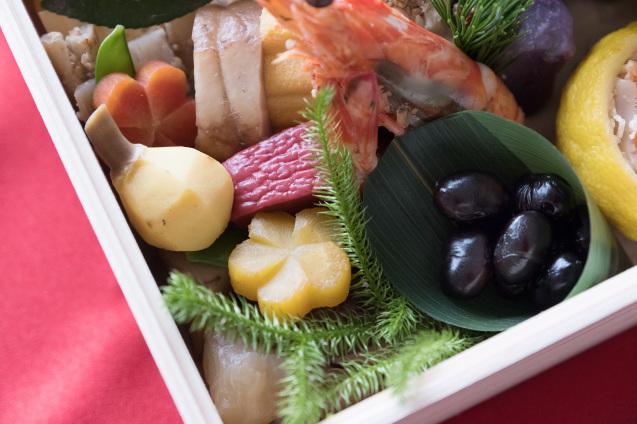 円卓さんのおせちとチャーリーんちのお雑煮でお正月_e0369736_18102929.jpg