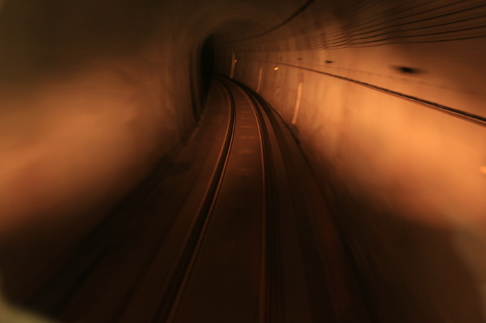 長いトンネル_f0371447_09173281.jpg