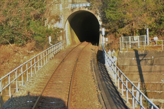 長いトンネル_f0371447_09225666.jpg