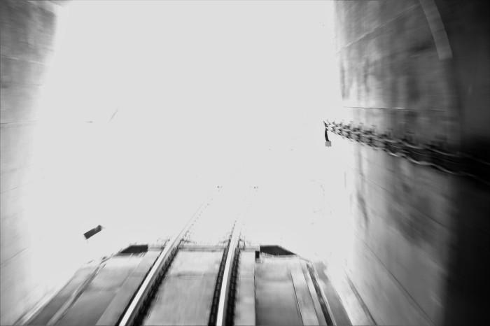 長いトンネル_f0371447_09321404.jpg