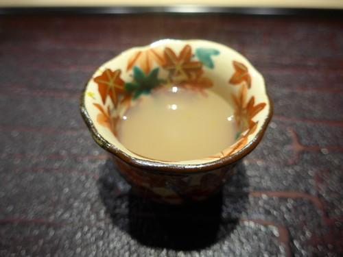 東麻布「鮨 天本」へ行く。_f0232060_13111911.jpg