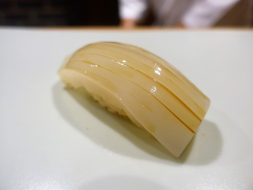 東麻布「鮨 天本」へ行く。_f0232060_13303749.jpg