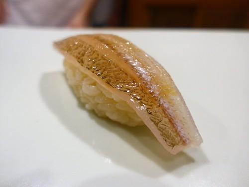 東麻布「鮨 天本」へ行く。_f0232060_1330513.jpg