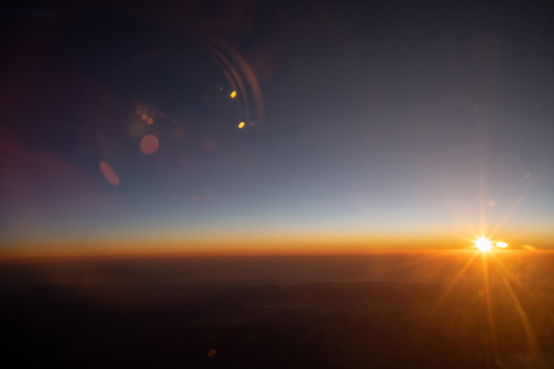 空の上から謹賀新年_c0028861_19221682.jpg