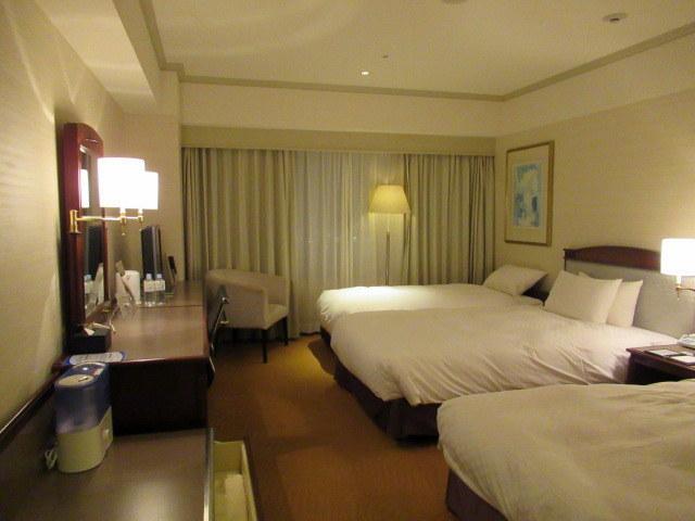 大晦日 * ホテル日航関西空港・客室と花ざとの夕食♪_f0236260_00030439.jpg