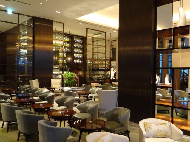 年末の「パレスホテル東京」 (2)「ザ・パレスラウンジ」でアフタヌーンティー_b0405262_23343966.jpg