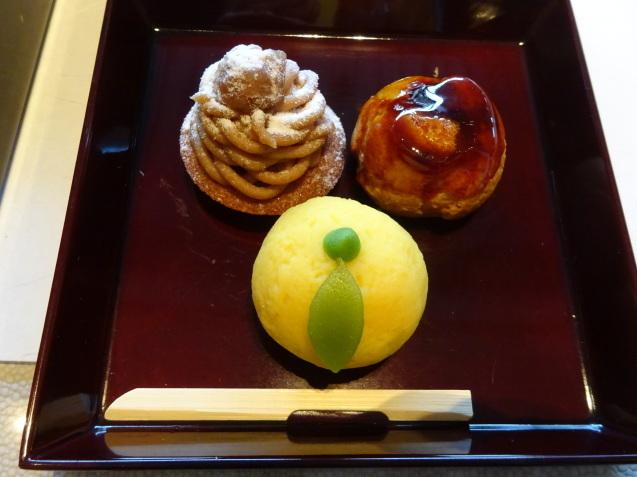 年末の「パレスホテル東京」 (2)「ザ・パレスラウンジ」でアフタヌーンティー_b0405262_23375445.jpg