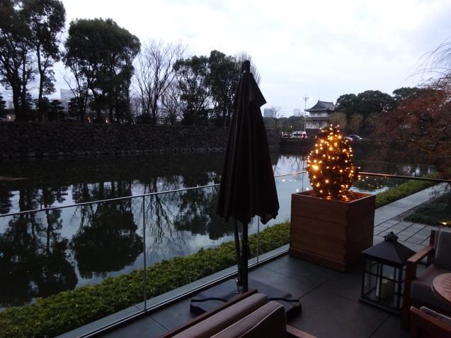 年末の「パレスホテル東京」 (2)「ザ・パレスラウンジ」でアフタヌーンティー_b0405262_23381182.jpg